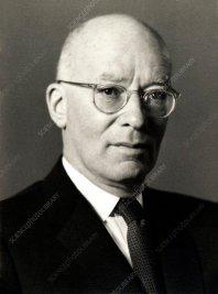 Alfred Lande, German-US physicist